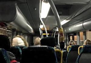 Enligt polisanmälan riktades ett vapen mot en passagerare.