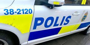Polisen larmades om stölden vid 17-tiden.