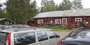 Härjeåsjöns värdshus har haft gott om besökare om somrarna.