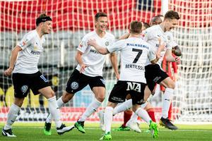 Jake Larsson gjorde mål mot när ÖSK vann med 3–1 mot Östersund.