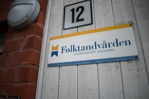 Folktandvården Dalarna har i dag 26 kliniker för allmäntandvård i regionen. Just nu pågår en utredning för att se över strukturen.