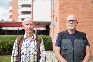 Risto Koskimies och Leif Davén är aktiva i seniorboendets kamratförening. Dit har många vänt sig med frågor rörande renoveringen.