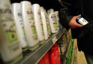 Stölder av exempelvis schampo har blivit mer omfattande de senaste åren enligt Svensk Handel. Bild: TT