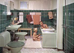 Badrummen blev större och mer moderna på 1960-talet. De blev också mer färgglada och till exempel ljusgrönt sanitetsporslin var något nytt och lite lyxigt.Foto: Karl Erik Granath/Tidningen Vi