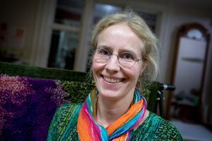 Eva Olanders, textil- och bildkonstnär, är medlem i Södertälje konstnärskrets.