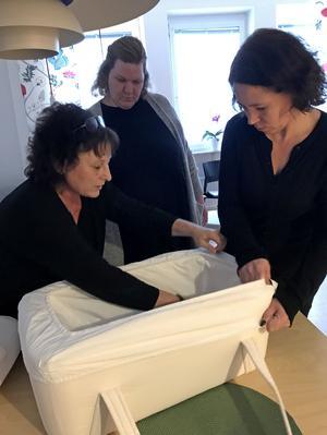 Lotta Iggström är chefsbarnmorska på USÖ:s förlossningsavdelning. Här tillsammans med Madelene Tinglum (till höger) och Malena Jacobsson (i mitten) som båda två mist var sitt barn. Idag är de engagerade i Spädbarnsfonden.