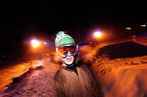 Hoppfull. Snowboardklubbens Nicklas Thirus visade hur en snöbräda skulle hanteras