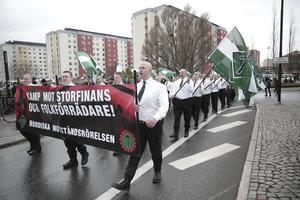 Nazistiska Nordiska motståndsrörelsen under förra årets 1 maj-demonstration i Borlänge.