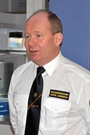 Mats Jansson är räddningschef på Södra Dalarnas räddningstjänstförbund, han berättar att redan i höst kommer man omfördela en brandbil med en tank på 9000 liter vatten från Hedemora till Horndal.