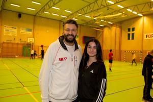 Tony Garabet och niondeklassaren Sandra Ibrahem, som har alltid deltagit i Skolserien sedan hon började på högstadiet.