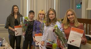 Stipendiaterna som fanns på plats under utdelningen på onsdagen. Från vänster: Vilma Gunnarsson, Sofia Wettainen, Olivia Norberg, Maja Källström och Vilhelmina Jacobson