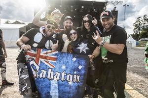 Ett kompisgäng från Australien som avslutar sin festivalturné på Sabaton Open Air.