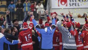 Ryssland fick lyfta VM-bucklan för andra året i rad.