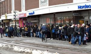 Flera hundra hoppades få gratis godis när en ny godisbutik öppnade i Borlänge centrum på torsdagseftermiddagen. De 100 första kunderna fick sin önskan uppfylld.