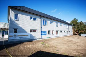 Hyrorna för Strömsunds hyresbostäders lägenheter på Svartviksgatan i Hammerdal kommer att bli relativt höga konstaterar bolagets vd Stefan Jönsson.