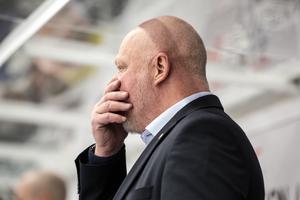 Roger Melin, Leksands tränare, tror att han tryckte på fel knappar innan 5-2-förlusten i måndags.