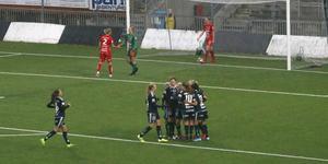 Efter 53 mållösa minuter avgjordes matchen mellan Kif Örebro och Linköping på fem minuter i andra halvlek: Linköping gjorde två mål (och fyllde senare på med ett till) medan Örebro gjorde ett.