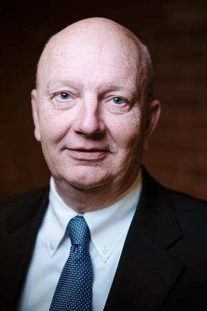 Henrik Hedensiö (M), 58 år, Norrtälje. Kommunstyrelsen, Kommunstyrelsens SamhällsbyggnadsutskottErsättare, Teknik- och klimatnämnd.