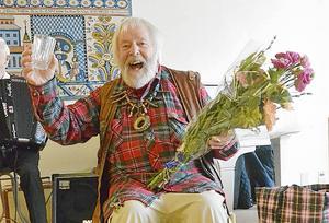 Vild-Hasse Bengtsson hyllades av PRO Malung i samband med 80-årsdagen.
