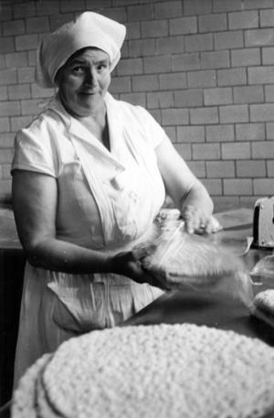 Märta Jönsson var en av dem som jobbade i bageriet 1963.