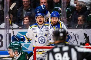 Thomas Valkvae-Olsen gav Leksand ledningen med 3–2 med vad som var norrmannens första mål för säsongen – och första i SHL över huvud taget. Det hjälpte dock inte LIF mot Färjestad. Foto: Fredrik Karlsson/Bildbyrån