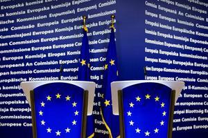 Firandet av EU-kommissionens 40 första år driver intrigen i