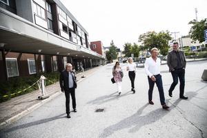 Efter en liten promenad till centrum satte de sig på First hotell Kramm.