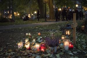 Ett ljus för att hedra våra älskade som gått före oss. Foto: Helena Landstedt/TT