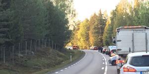 Det blev helt stopp i trafiken under räddningsarbetet