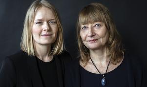 Kristina Edblom och Kerstin Weigl har inte bara läst in sig på 299 mord eller dråp. De tog även sats och ringde upp anhöriga, vänner, socialarbetare och poliser. Foto: Sofia Runarsdotter