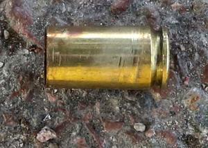 Foto från polisens förundersökning. En av tomhylsorna som hittades.