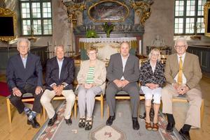 På bilden sittande från vänster: Lennart Eriksson 1949, Alvar Fanqvist 1949, Elin Eriksson 1939, Erik Eliasson 1949, Inez Långström Jonsson 1949, Lars Doverdalen 1949. Foto: Anders Nilsson