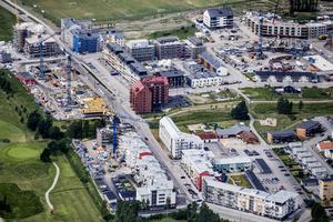 Bilden är ifrån en etapp av utbyggnaden av Örebros södra delar. Den är tagen 2016