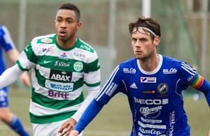 Joakim Larsson ställdes mot Brian Span, med meriter från Champions league-kval, när Fagersta Södra och VSK drabbade samman i länscupen i tisdags.
