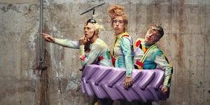 Trupp Trunk kommer till Iggesund med sin cirkusföreställning Sopor. Foto: Alex