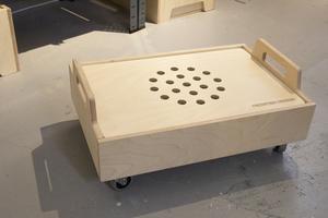 Alla moduler tillverkas av björkplywood och ytan behandlas med hårdvaxolja.