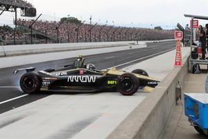 Ericsson blev stående med nosen mot depåmuren efter sin snurrning på depåinfarten. Foto: Chris Jones/Indycar