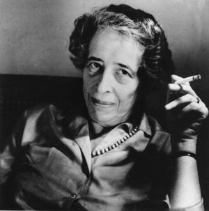 Filosofen Hannah Arendts iakttagelse om den moderna ondskans banala natur passar väl in på Ange Rodriguez beskrivning av hur ondskan uppenbarar sig för oss i dag. Foto: AP