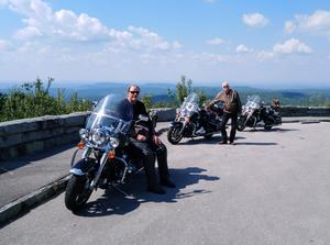 Bild: Privat fotat av Roffe Persson, Ulf Westin och Paul Fogelman. under deras MC-resa i Usa. Turkey Creek Overlook, Smoky Mountains, Tennessee.