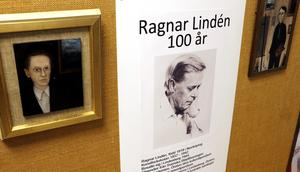 Det finns chans på onsdag  den 11 och fredag den 13 denna vecka att se utställningen med Lindesbergskonstnären Ragnar Lindéns bilder. Den finns  i Blombergska gården på Kungsgatan mitt emot biblioteket.