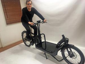 Vid fabriken i Vansbro räknar man med att den egna nya trendiga elcykeln kommer att bli en försäljningssuccé.