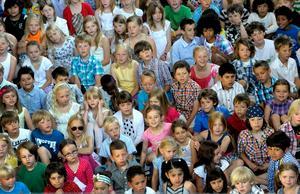 Antaganden snarare än analyser och fakta styr hur Köpings skolor får del av extra resurser, skriver Skolinspektionen.