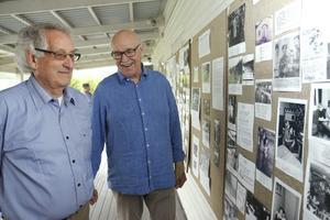 Sture Rosengren och Kurt Ulfves har skapat utställningen om Stora Vikas histoira från 1946 till 1981.