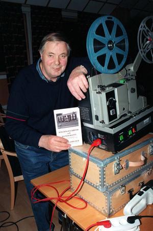 Dokumentärfilmaren Erik Eriksson från Näsberg  avled 2005. Nu förser Ljusdalsbygdens museum ett urval av hans filmer med text, på ett flertal språk. Foto: Jan Olsson