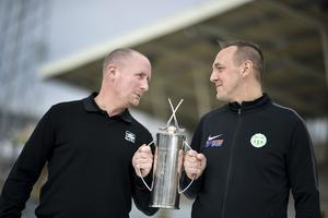 Johan Sixtensson och Västerås tränare Micke Carlsson försöker sig på arga leken innan SM-finalen.
