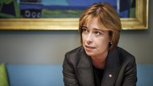 Tidigare socialförsäkringsministern Annika Strandhäll (S) twittrade om John Hron och möttes av en hatstorm.