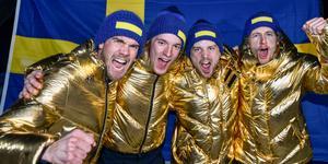 Det svenska herrstafettlaget efter OS-guldet i Pyeongchang. Samtliga är nu uttagna till VM också.