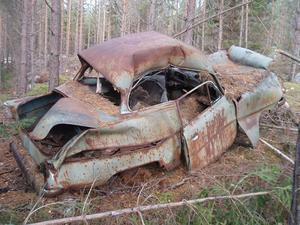Undrar, om den här bilen går igenom besiktningen.