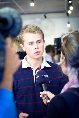 William Elofsson, distriktsordförande för Moderata Ungdomsförbundet i Gävleborg, är tveksam till att tv-spelandet är ett så stort problem.