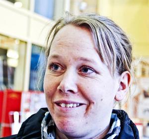Anna-Karin Hansson, 36 år, undersköterska, Vågbro- Jag kanske tänker på de som har det jobbigt, ensamstående och kvinnor som utsätts för våld.